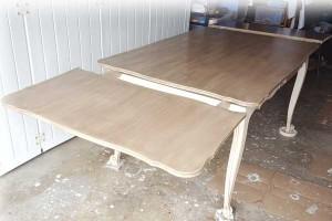 """Table dans l'atelier """"Au gré du pinceau"""""""
