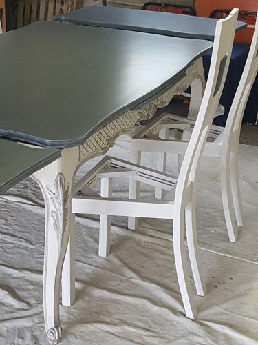 table-repeinte
