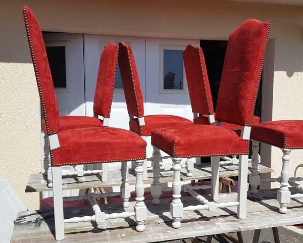 les chaises sont prêtes à reprendre place ..